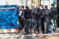 Agentes de los Mossos en el lugar del crimen