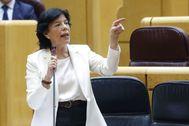La ministra de Educación, Isabel Celaá, interviene en la sesión de control al Gobierno en el Senado.