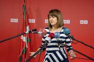 La secretaria general del PSE-EE Idoia Mendia, tras el ataque sufrido en el portal de su domicilio en Bilbao.