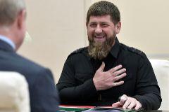 El líder de Chechenia, Ramzan Kadirov, en una reunión con Vladimir Putin en Moscú.