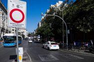 Una señal de tráfico avisa de la entrada en Madrid Central.