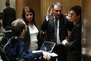 Pablo Echenique, Adriana Lastra y Mertxe Aizpurua junto al el diputado de Unidas Podemos, Enrique Santiago.