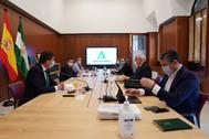 El comité de crisis de la Junta, reunido este jueves.