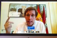 El alcalde de Madrid, José Luis Martínez-Almeida, durante su encuentro en CEAPI