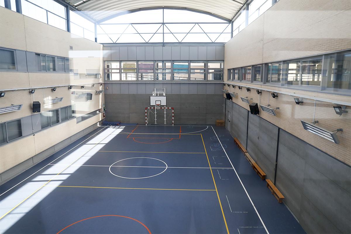 Cómo convertir los gimnasios y las bibliotecas de los colegios en las nuevas aulas de la desescalada