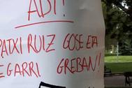 Pintadas en favor del preso de ETA Patxi Ruiz en Vitoria.