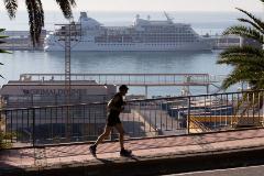 Un crucero con 400 pasajeros a bordo, en cuarentena por el coronavirus