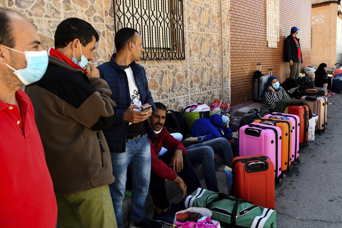 Marruecos y España repatrían a cientos de ciudadanos que quedaron atrapados por la Covid-19