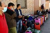 Ciudadanos marroquíes atrapados en Ceuta.