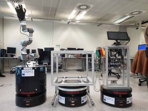 -Foto Robotnik: se trata de un  robot móvil que permitiría comprobar el estado de un paciente de Covid-19 de forma remota, evitando así riesgo de contagio a los sanitarios.