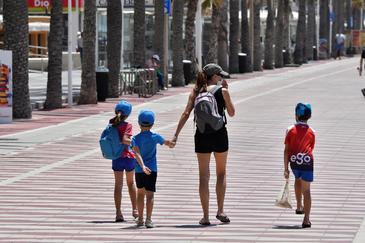 Se autorizan paseos en grupo y de familias completas en toda España