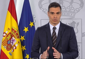 Madrid (Spain).- A handout Video-grab photo taken from La Moncloa Palace official broadcasting shows Spanish Prime Minister, lt;HIT gt;Pedro lt;/HIT gt; lt;HIT gt;Sanchez lt;/HIT gt;, as he addresses a press conference at La Moncloa Palace, in Madrid, Spain, 23 May 2020. lt;HIT gt;Sanchez lt;/HIT gt; reported on situation amid coronavirus lockdown exit plan. (España) EPA/ HANDOUT EDITORIAL USE ONLY/NO SALES