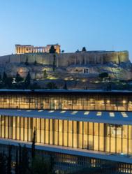 Con el Partenón al fondo.