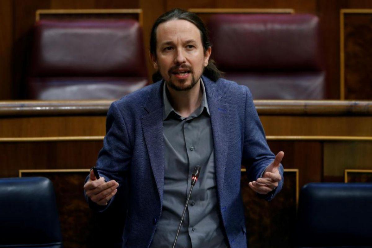 """El juez retira a Iglesias la condición de """"perjudicado"""" en el caso Villarejo y rechaza que su ex asesora lo perdone si cometió un delito"""