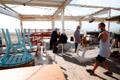 Batalla entre países por retener a su turista nacional