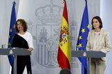Las ministras María Jesús Montero y Reyes Maroto.