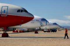 Aviones aparcados en el aeropuerto de Teruel.