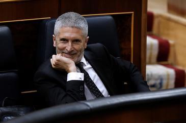 El ministro del Interior, Fernando Grande Marlaska asiste al pleno del Congreso.