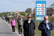 Protesta a favor de la reapertura en la frontera entre Dinamarca y Alemania, el 17 de mayo.