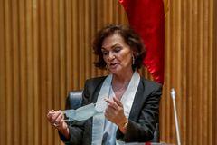 La vicepresidenta primera del Gobierno, Carmen Calvo, este martes, en la Comisión para la Reconstrucción, en el Congreso.