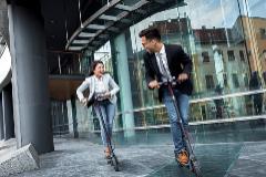 El patinete eléctrico gana adeptos en las grandes ciudades.