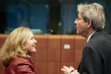 Nadia Calviño y el comisario de Asuntos Económicos, Paolo Gentiloni