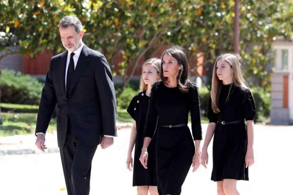 La Familia Real, de luto, antes del minuto de silencio.