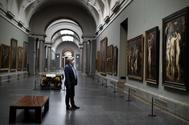 Miguel Falomir, director del Prado, en sus salas vacías.