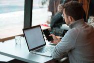 El coronavirus hace estragos en el mercado de PC y móviles