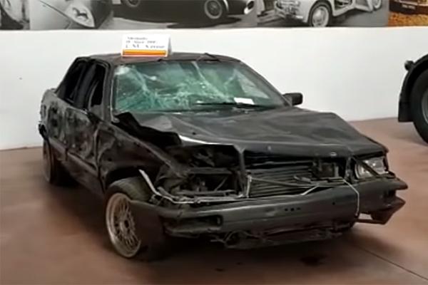 Sale a subasta el Audi V8 que salvó la vida a Aznar