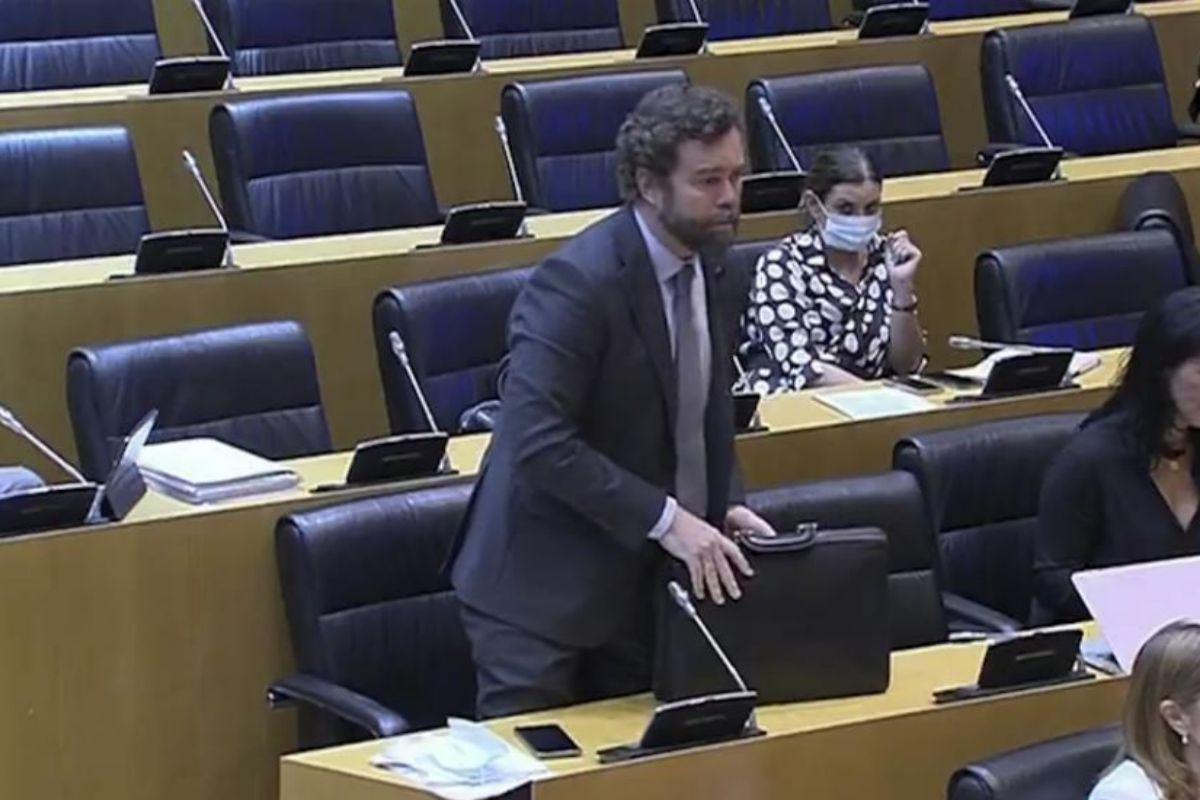 Iván Espinosa de los Monteros abandona la Comisión tras las palabras de Iglesias.