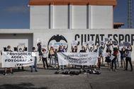 Protestas de los fotoperiodistas en la Ciudad Deportiva del Valencia.