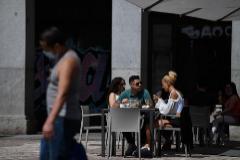 Terraza de un bar en Madrid tras su reapertura.
