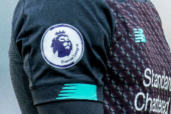 Burnley (United Kingdom), 31/08/2019.- (FILE) - The lt;HIT gt;Premier lt;/HIT gt; League logo can be seen on the sleeves of Liverpool's Alex Oxlade-Chamberlain during the English lt;HIT gt;Premier lt;/HIT gt; League soccer match between Burnley FC and Liverpool FC in Burnley, Britain, 31 August 2019 (re-issued on 28 May 2020). The English lt;HIT gt;Premier lt;/HIT gt; League season is set to restart on 17 June 2020 after the suspension caused by the ongoing pandemic of the COVID-19 disease caused by the SARS-CoV-2 coronavirus, British media reports stated on 28 May 2020. (Reino Unido) EFE/EPA/PETER POWELL *** Local Caption *** 56002159