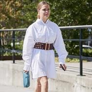Los vestidos blancos que te pondrás tengas 20 o 50. Elige el tuyo y combínalo así