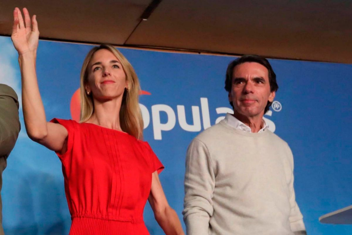 Cayetana Álvarez de Toledo y José María Aznar, en un acto electoral de la campaña de abril de 2019, en Barcelona.