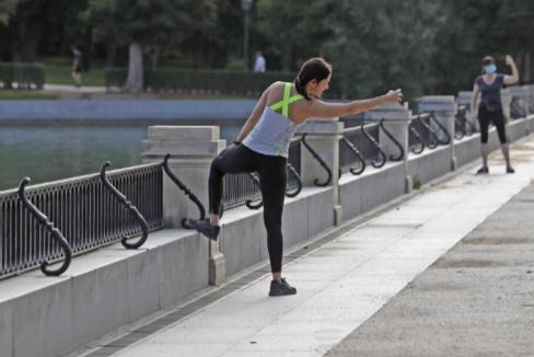 Cómo empezar a correr, nadar o montar en bici y no acabar lesionado, deprimido ni arruinado