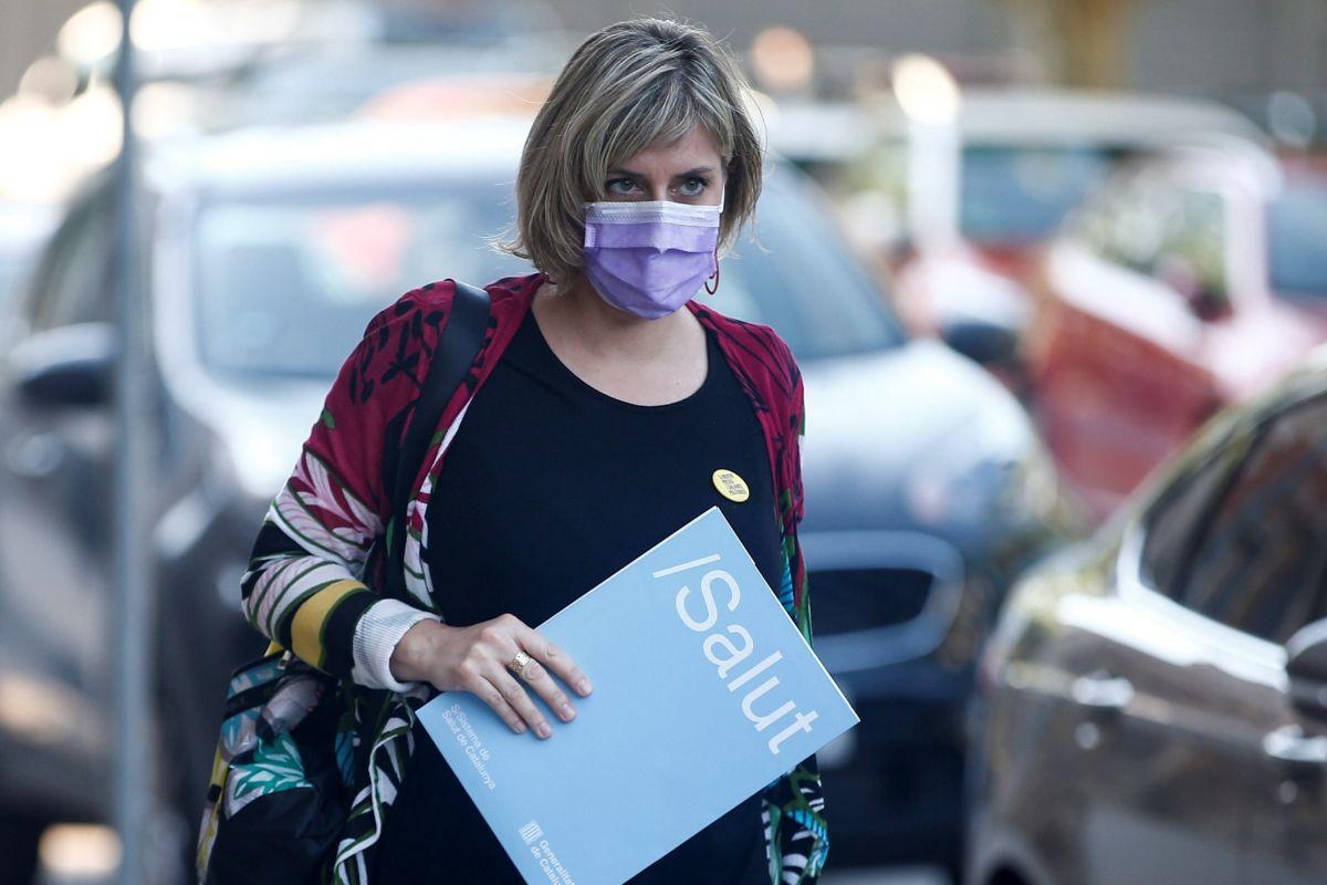 La consellera de Salut a su llegada al Parlament en una imagen de archivo
