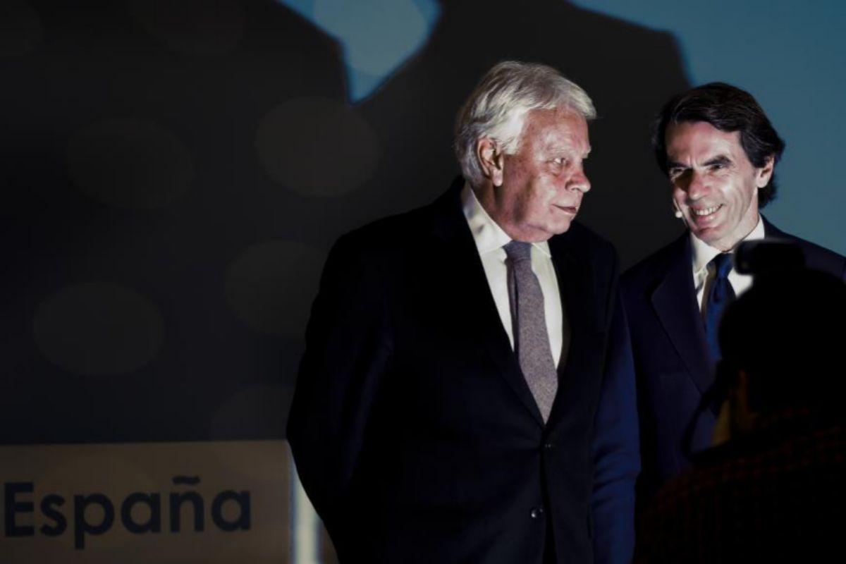 Los ex presidentes Felipe González y José María Aznar.