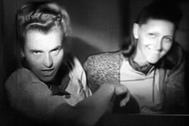 María Mandel, en la secuencia, juguetea con la cámara en la víspera de su ejecución tras ser juzgada en Cracovia. Murió ahorcada el 24 de enero de 1948. Son las últimas imágenes de un monstruo.