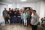 Integrantes de uno de los talleres de la Escuela de Arte y Comunicación Ítaca, que pretende ayudar a personas con discapacidad.