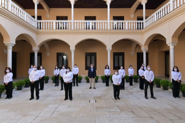 Málaga abre sus museos antes que otras ciudades y sigue adelante con su feria de agosto