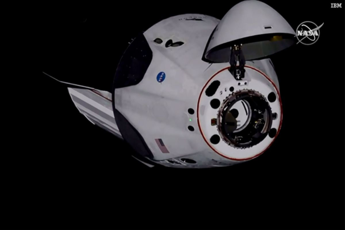 La cápsula, cuando se encontraba a 30 metros de la ISS