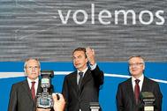 De izquierda a derecha, José Montilla, José Luis Rodríguez Zapatero y José Blanco, al inaugurar en 2010 la nueva Terminal de El Prat