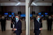 El presidente gallego, Alberto Núñez Feijóo, este lunes, en una visita a un hotel que acogió a enfermos de Covid-19, en Orense..