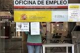 La desescalada saca a 387.815 personas del ERTE pero el desempleo vive su peor mayo