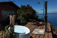 De una cabaña en Asturias a una azotea en Sevilla, estos son los Airbnb más deseados