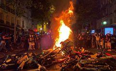 Miles de personas se manifiestan en París contra la violencia policial en Francia