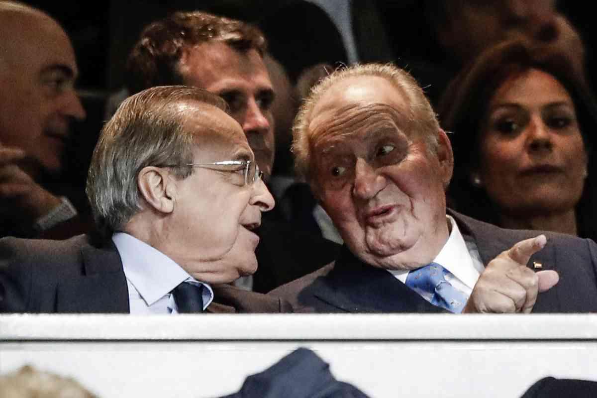 Don Juan Carlos y Florentino Pérez, en el palco del Real Madrid, el pasado febrero, en su última aparición en público.