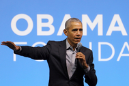 FILE PHOTO: Former U.S. President Barack lt;HIT gt;Obama lt;/HIT gt; speaks during an lt;HIT gt;Obama lt;/HIT gt; Foundation event in Kuala Lumpur